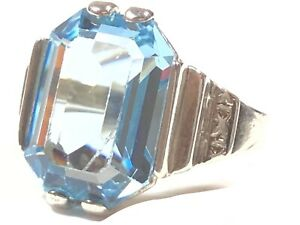 Beautiful Ladies Sterling Silver Large Blue Glass Stone Ring - Size 6.5