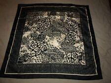 Foulard Scraft vintage motif cachemire noir et blanc
