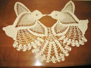 "Vintage Hand Crocheted Hummingbirds Doily 22"" Antique"