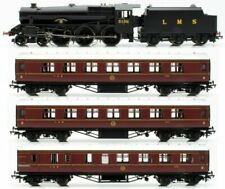 Hornby R3299, OO Gauge, Train Pack 'Going Home' Black 5 Loco and 3 LMS coaches