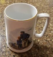 1985 Norman Rockwell ''LOOKING OUT TO SEA'' Cup Mug Museum Gold Rimmed White