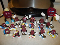 Lot of 18 Vintage California Raisins - PVC Figures - Plush Bendable 1987 1988