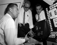 JIM LOVELL ASTRONAUT AT CONTROLS OF VISUAL DOCKING SIMULATOR 8X10 PHOTO (EP-102)