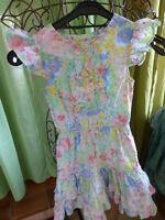 ravissante robe fleurie  fillette -8ans volants ,a fleurs