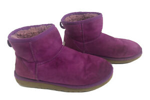 UGG Australia 5854 Classic Mini Sheepskin Boots US 7 Magenta Purple / Pink