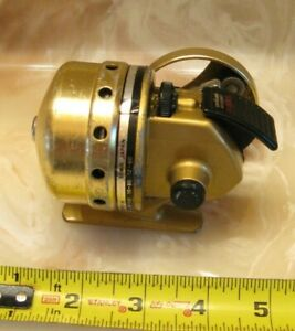 VINTAGE DAIWA 310RL GOLDCAST GOLD THUMBING DIAL SPINCAST Casting Reel JAPAN