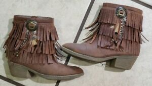 Justice Girl's Brown Fringe Feather Booties. Size 13