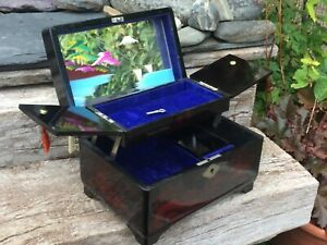 MID CENTURY VINTAGE JAPANESE LACQUER-STYLE JEWELLERY MUSIC BOX WITH KEY