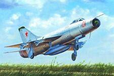 Trumpeter 1/48 plastic kit Soviet Su-9 Fishpot #02896 - Used