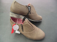 BNWT Ladies Rivers Mocha Leather Look Zip Detail Casual Shoes Size 5 RRP $60