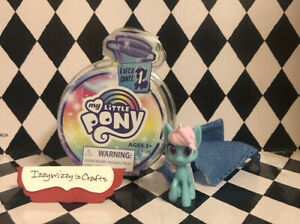 My Little Pony Magical Potion Surprise Blue Pony Pink Hair Horseshoe Mini Figure