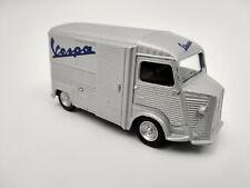 Citroën type H  Vespa echelle 1:64 longueur 7cm neuf en métal  dernieres pieces!