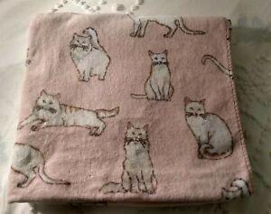 TT & LOLA Cat Bath Towel Pink & White