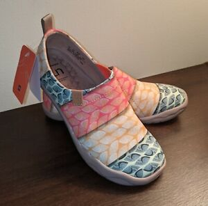 Brand New UIN Women's Canvas Shoes Walk Of Art Bodhi Leaf Size 8 No Box