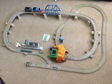 thomas the tank engine echo cave train set