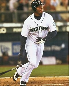 Ken Griffey, Jr--Seattle Mariners--8x10 Glossy Color Photo