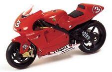 Yamaha YZR M1 #3 M. Biaggi 2002 - 1:24 - IXO Models