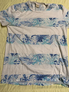 Hollister Men's Blue White Floral Short Sleeve Crew Neck T-Shirt Size Medium HCO