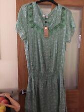 Vestido de Encaje BNWT Mini Floral Verde Frontal Talla 16