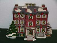 Department 56 Old Chelsea Mansion SNOW VILLAGE 54903-MINT IN BOX