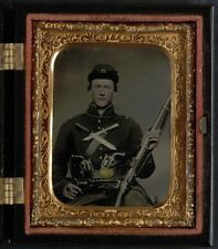 Photo Civil War Union 3 Revolvers 2 Bowie Knives & Springfield Rifle Musket