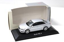 1:43 Minichamps Audi RS4 Limousine 2005 silver DEALER NEW bei PREMIUM-MODELCARS