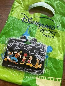 BNWT Disneyland resort Paris Disney Character Pin set Mickey Minnie Goofy Daffy