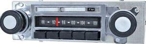 T3111 1967-1972 Chevrolet GMC Pickup Truck Reproduction AM FM Radio