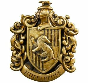 Huffelpuff Crest from Harry Potter (by Noble Collection NN7746)