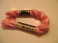 DMC coton perlé N° 5 pour la grosseur et N°605  pour la couleur, long 25 mètres