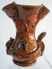 Petit vase de Langeais Marron décor de vignes et raisins / Charles De Boissimon