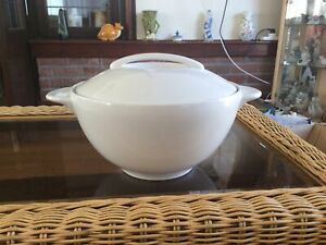 Denby White Extra Large Lidded Tureen / Serving Dish