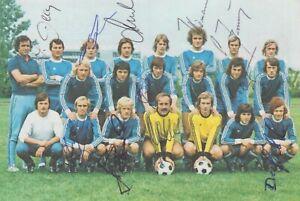 Hertha BSC Berlin Mannschaftsbild Bergmann Fussball 1974/75 mit 11 Autogrammen