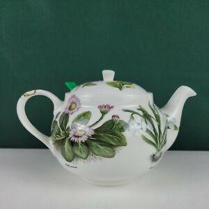 St. George Fine Bone China, the Chatsford Strainer Teapot, White Botanical