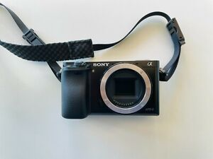 LENS KIT - Sony α6000 E-mount Camera with 16-50mm PowerZoom