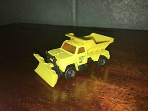 1:64 SCALE 1990 MATCHBOX HIGHWAY MAINTENANCE PLOW SALT TRUCK MADE IN CHINA
