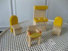 Puppenmöbel für Puppenhäuser - 4-teilig aus Holz