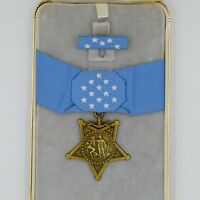 Cased US Badge Congressional Medal of Honor MOH Navy Order WW1 WW2 Replica