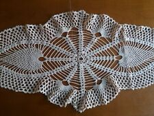 "ANTIQUE Beautiful Vintage Handmade Oval Crochet Lace Tablecloth Runner 29""x14"""