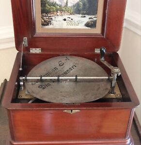 MIRA ANTIQUE SINGLE COMB 12 INCH DISC MAHOGANY MUSIC BOX - ONE DISC INCLUDED