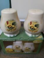 Gibson Royal Rooster Pattern  Salt and Pepper Shaker