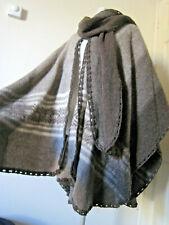 100% Stunning vintage pure Alpaca wool poncho cape cloak brown cream size 10-18