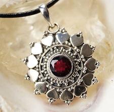 Massiv Groß Rund Silber Granat Rot Kettenanhänger Herz Muster Verspielt Modern