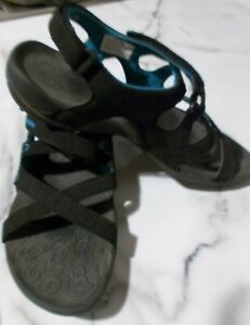 Women's sandals by Diadora Size 10 Black with blue trim and logo