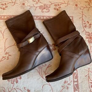 STUART WEITZMAN Bootie Brown Leather Wrap Around Ankle Strap Boot Wedge Womens 8