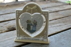 """Precious Moments figurine the """"Best of Friends"""" hanging heart plaque. 103487"""