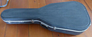 Hiscox Hard case for acoustic guitar - great condition. with Free K&M stand
