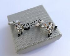 """ICE HOCKEY PLAYER""-Silver Style (with BLACK STICK) METAL Cuff Links in GIFT BOX"