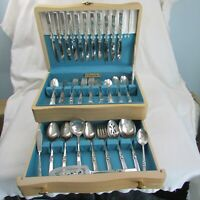 83 pc Set Oneida Community Plate CORONATION Silverware Original chest Excellent