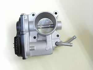GENUINE OEM Mercedes Smart Forfour 454 Car THROTTLE BODY 2004-2006 A1351400104